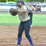 Elks fall late in seventh inning